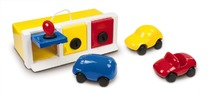 Ambi toys - lock-up garage